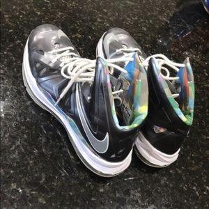 Lebron 10 Basketball shoe
